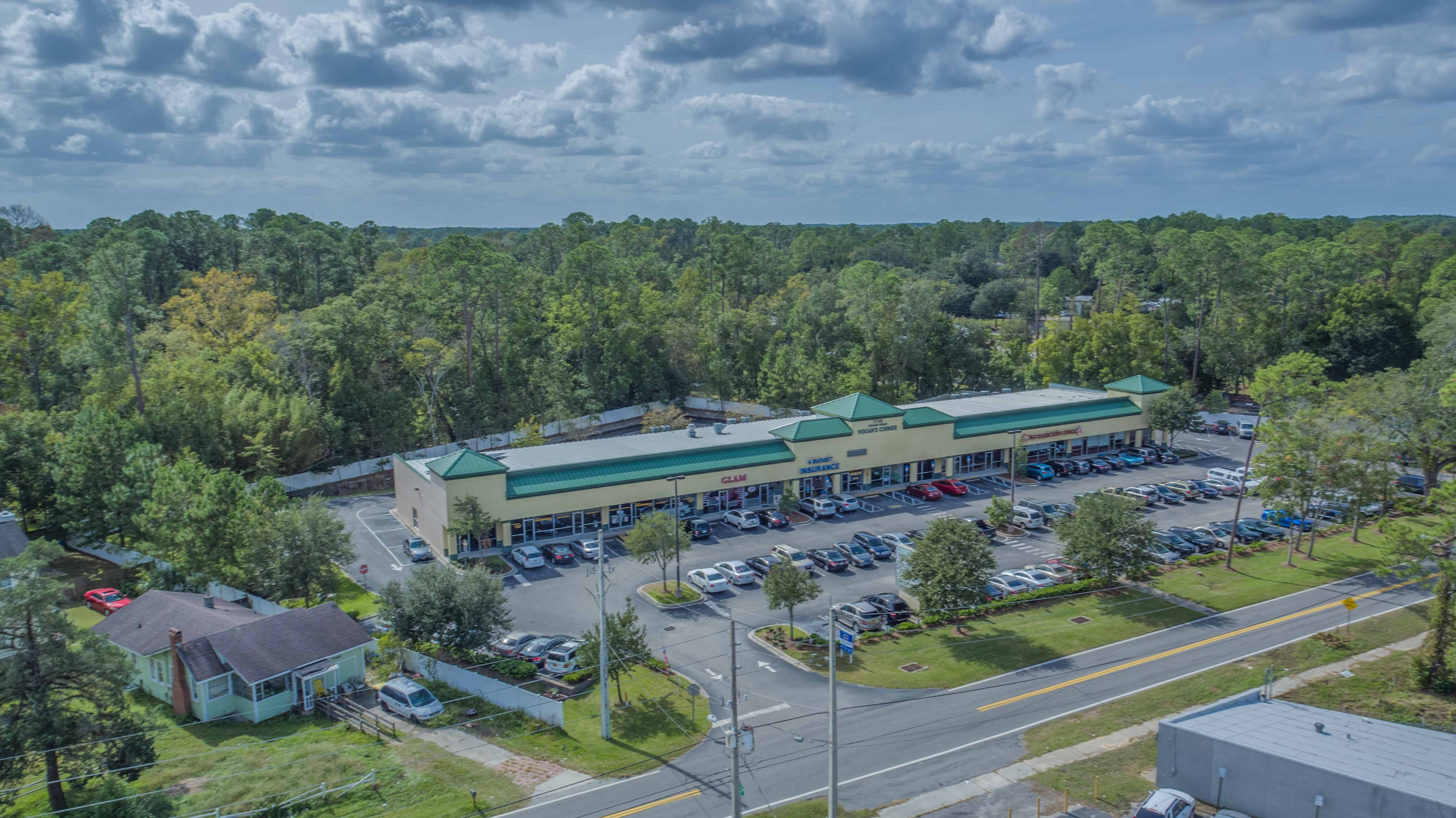 Hogan's Corner, 7120 Hogan Rd, Jax, FL 32216, 1,000 to 5,000 sf, office/retail